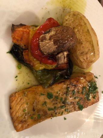 Милиу, Кипр: блюдо из ресторана отеля