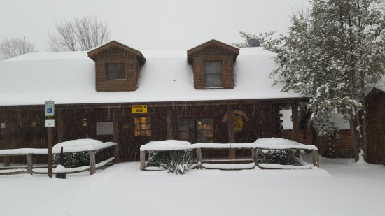 Candler, Carolina del Norte: We are still open all winter!