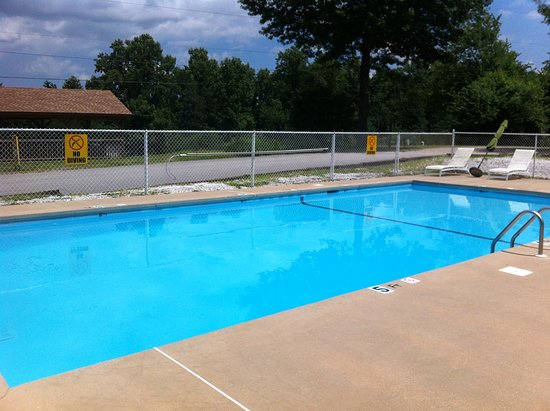 Candler, NC: Refreshing pool