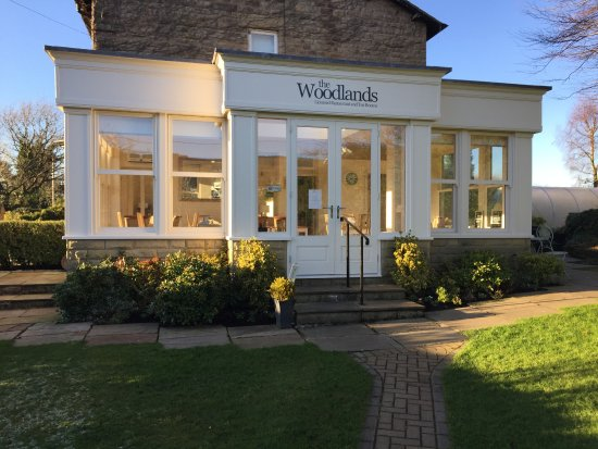 Glossop, UK: The orangery dining room at The Woodlands