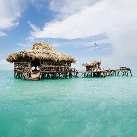 نيجريل, جامايكا: The pelican bar