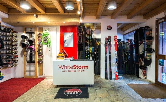 Courchevel, France: White Storm vous accueille pour la location et l'entretien de votre matériel.