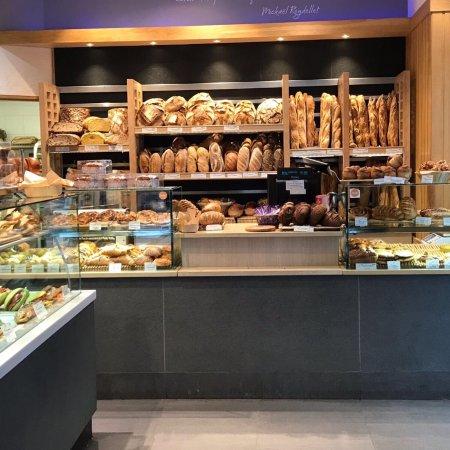 Restaurant la parisienne dans paris avec cuisine fran aise for Restaurant cuisine francaise paris