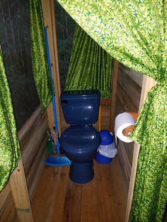 San Antonio, Belize: Toilet in casita