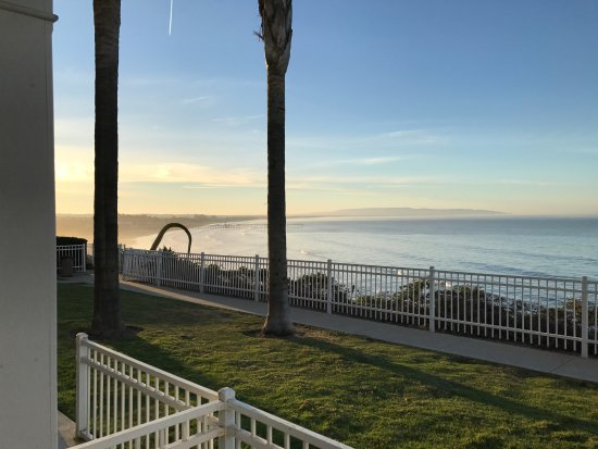 Pismo Lighthouse Suites: Great Ocean Cliff Views!