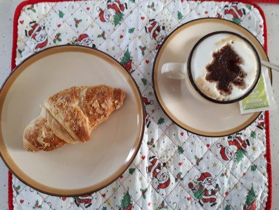 Mascalucia, Itália: Ottimo cappuccino natalizio!!