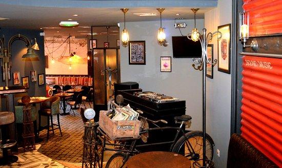 Foto de le food truck by au chateau salon de provence for Food truck bar le duc
