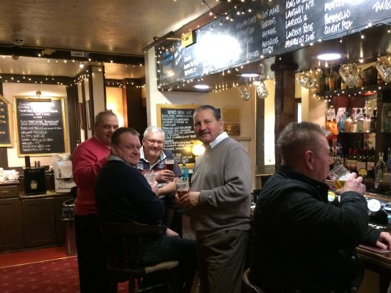 Dummer, UK: Locals drinking at the bar!