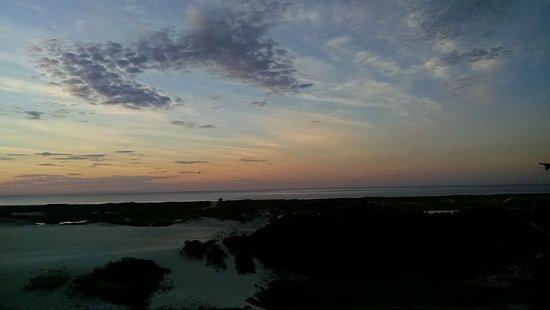 Lagoa da Conceicao, SC: Nascer do sol na Praia da Joaquina.