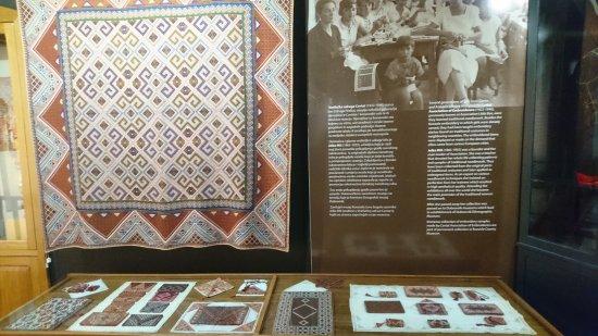 Cilipi, Croacia: Permanent exhibition - silk craftswork