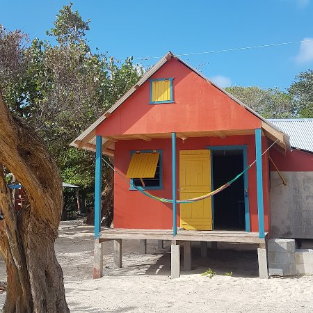 Carlito's Sunrise Paradise: The cabin sits right on the beach!