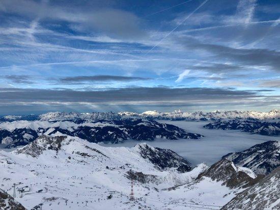 """Piesendorf, Austria: Это единственная площадка в Альпах, откуда видны сразу более 30 трехтысячников - """"Top of Salzbur"""
