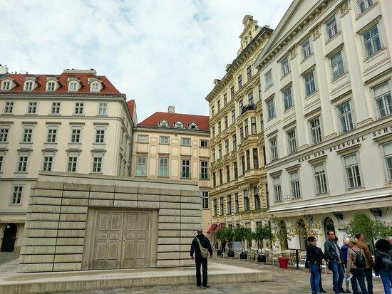 Vienna Explorer - Touren und Fahrradverleih: Vienna Walking Tour