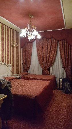 Hotel Belle Arti: 20180111_214453_large.jpg