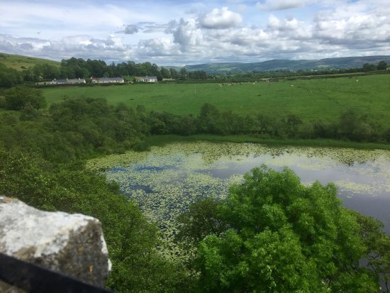 Sixmilebridge, Ierland: view from the top of the castle