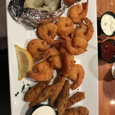 Hot fish club murrells inlet restaurantbeoordelingen for Hot fish club murrells inlet south carolina