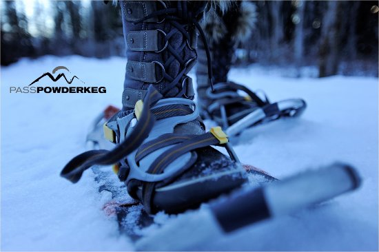 Blairmore, Canadá: Snowshoe rentals and guided excursions.