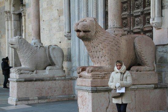 Cattedrale di Parma: Io davanti all'entrata della Cattedrale
