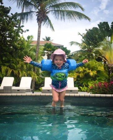 Carlisle Bay Antigua: Pool totally kid friendly