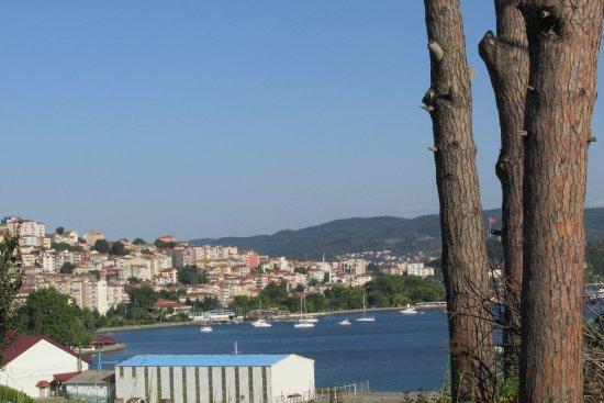 Eregli, Turquía: ereğli şehri ve limanında yelkenli tekneleri
