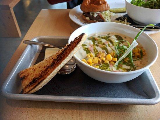Sechelt, Canada : Corn Chowder