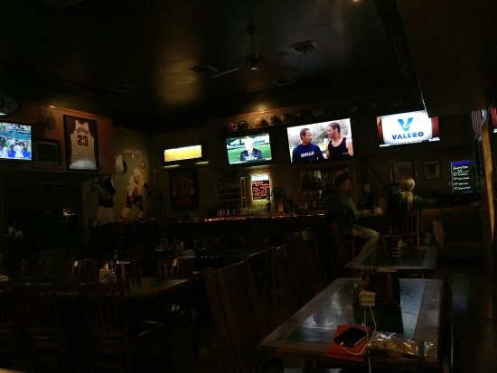 O'Rourkes Restaurant: bar