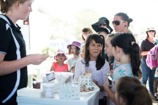 Scenic Rim, Australien: Tasting our gelato.