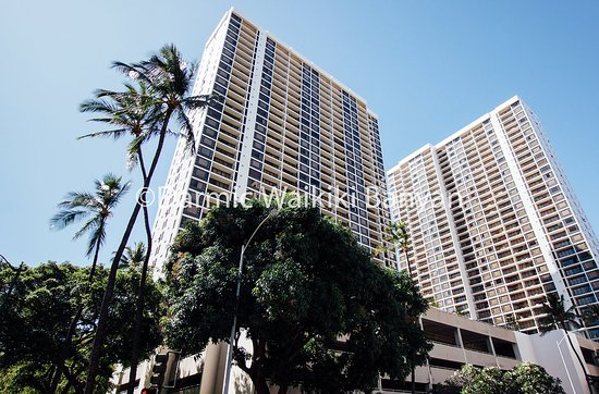 Darmic Waikiki Banyan: Darmic manages condos in both Tower 1 and Tower 2