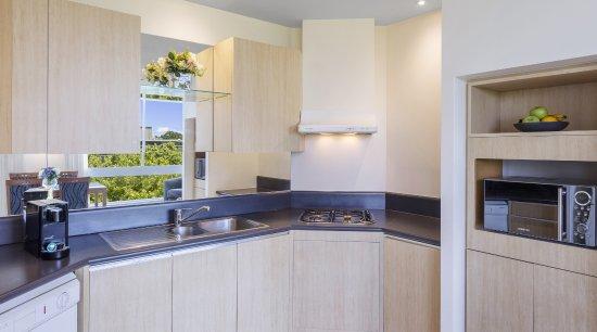 Park Regis Griffin Suites: Kitchen for 2 Bedroom Apartment