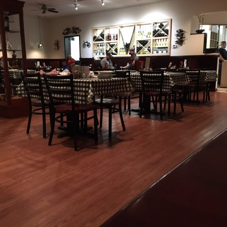 King George, VA: Nice dining room with good space