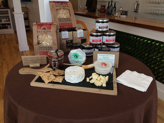 Hermit Woods Winery: yummy local products for purchase