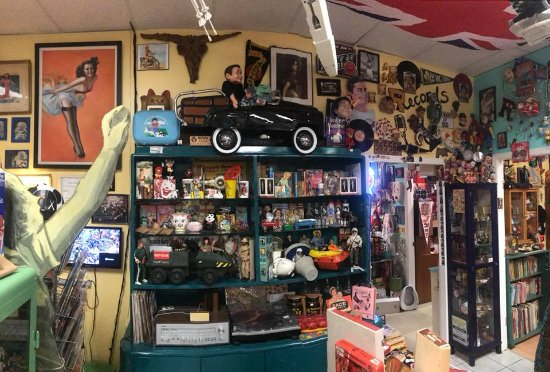 Pinball Alley Vintage: One very small area...love that pedal car!