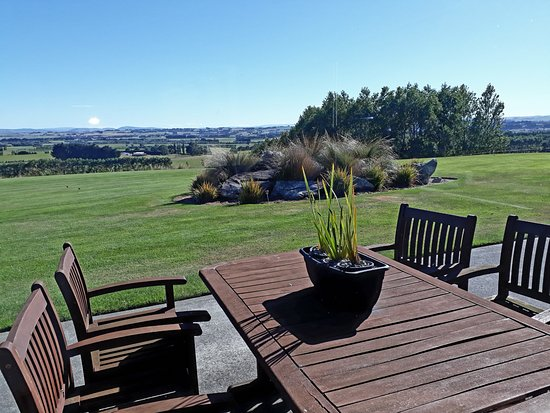 Hokonui Bed and Breakfast : Some of the views available to us.