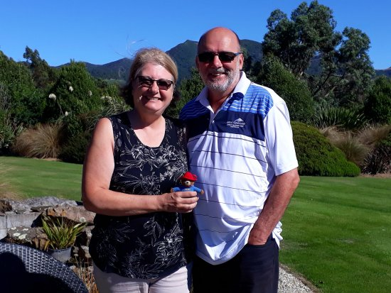 Hokonui Bed and Breakfast : This is lovely couple from the UK who were staying at Hokonui at the same time as us.