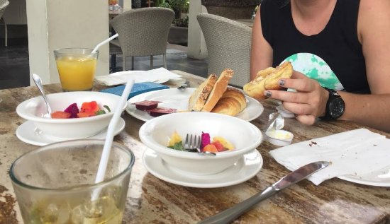 Bali Court Hotel and Apartments: Included Breakfast Option 1