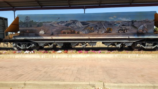 Clermont, Australia: Painted Wagons 1