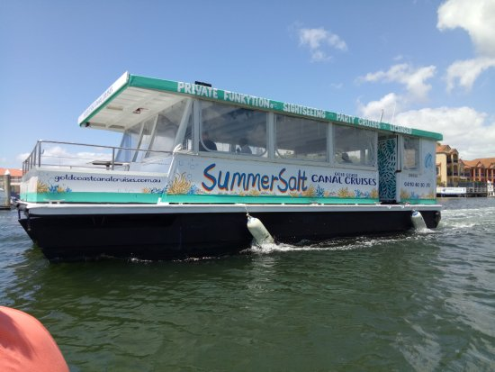 Main Beach, Australia: Our newly refurbished vessel SummerSalt