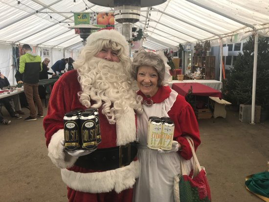 Malvern, PA: Santa & Mrs Claus loved our first round of canning! Kolsch and Citra IPA
