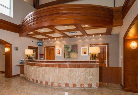 Dulles, VA: Lobby