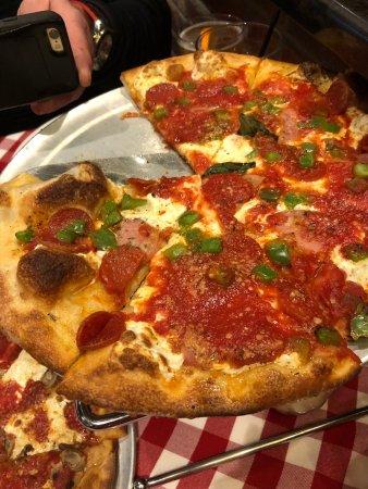 Taylor, MI: Pepperoni, ham, and green pepper pizza
