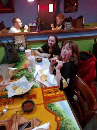 Irwin, Pensilvania: The kids love Acapulco Restaurant