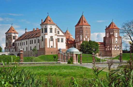 Sightseeing tour Minsk - Mir Castle...