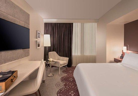 the elizabeth hotel autograph collection 166 1 8 4. Black Bedroom Furniture Sets. Home Design Ideas