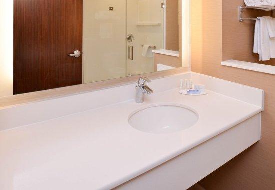 Guest Room Fairfield Inn Suites Martinsburg Martinsburg Resmi Tripadvisor