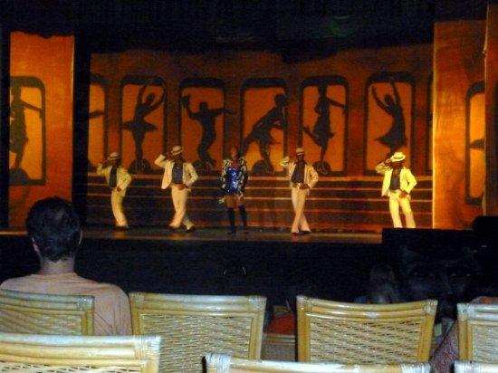 Caribe Club Princess Beach Resort & Spa : Shows nocturnos