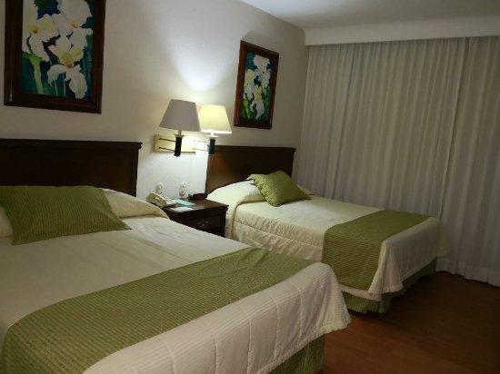 Villa Florida Hotel & Suites: IMG_20180114_220221_large.jpg