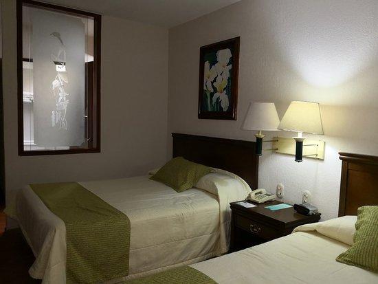 Villa Florida Hotel & Suites: IMG_20180114_220207_large.jpg