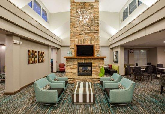 Bedford Park, IL: Lobby