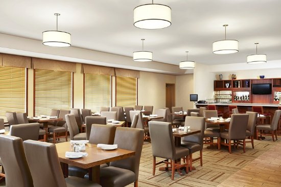 Four Points by Sheraton Saskatoon: Restaurant