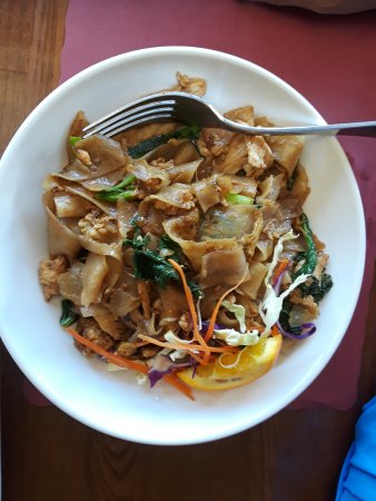 Seal Beach, CA: dirty noodle with chicken